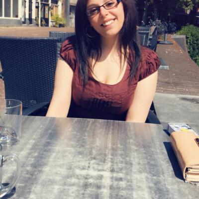 Tania zoekt een Huurwoning / Studio / Appartement in Leiden
