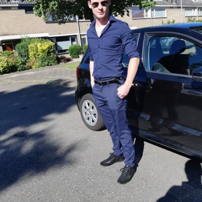Marten zoekt een Kamer / Huurwoning / Appartement in Leiden