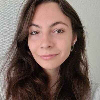 Olena zoekt een Kamer / Studio / Appartement in Leiden